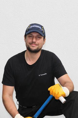 Riccardo Toneatto - Kfz-Mechatroniker bei Autoservice Keck